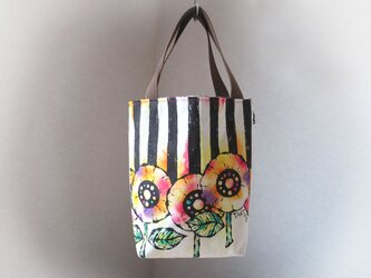 帆布 手描きのトートバッグ(花柄×ストライプ)Dカン付き 01の画像