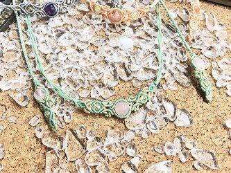 新色追加!天然石のマクラメ編みネックレス【花瓶】グリーン系・ローズクォーツの画像