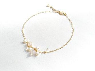 桜薫る揺れブレスレットの画像