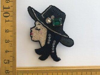 「Meiko」ヴィンテージビーズの刺繍ブローチの画像