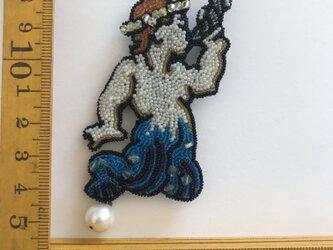 「triton」ヴィンテージビーズの刺繍ブローチの画像