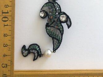 「sylph」ヴィンテージビーズの刺繍ブローチの画像