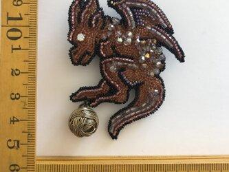 「gargoyle」ヴィンテージビーズの刺繍ブローチの画像