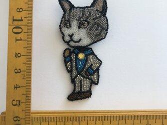 「gray catman」ヴィンテージビーズの刺繍ブローチの画像