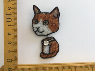 「tora cat」ヴィンテージビーズの刺繍ブローチの画像