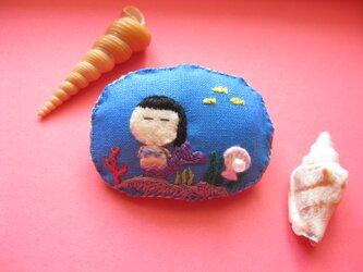 人魚姫ver.2<布ブローチ(刺繍ブローチ)>の画像