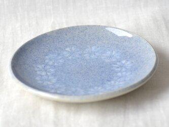 ブルーの平皿の画像