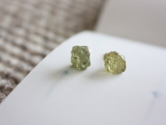 k14gf-マリガーネットの原石ピアスの画像