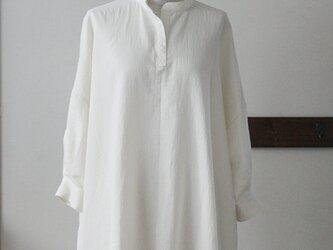 【sale】ビッグシルエットのシャツチュニック クリーム Wガーゼ(M)の画像