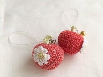 【受注生産】ラメ入り・ラメなし/赤りんご あみぐるみ鈴付きイヤホンジャックの画像
