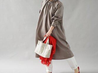 【wafu】薄地 リネン ワンピース ミモレ丈 フレア スタンドカラー フリル ドレス / ヴァニーユ a088a-vay1の画像