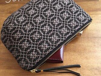 pouch[手織りポーチ] ブラック×シルバーベージュの画像