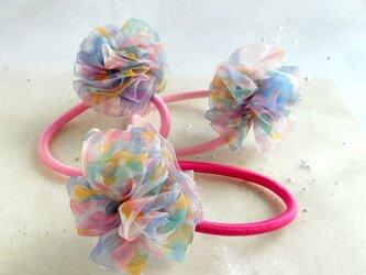 お得な3点セット☆春色ピンク&ブルーの透ける花柄リボンの華やかポンポンのキッズヘアゴムの画像
