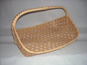 差し六つ目編み手つき盛りかごの画像