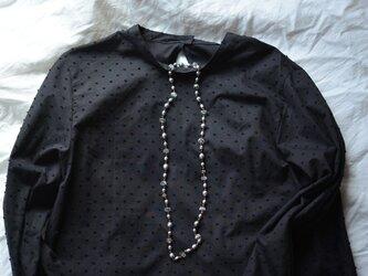 [vintage]グレーパールとシャンデリアクリスタルのシックなロングネックレスの画像