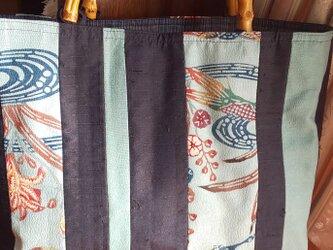 ひげ紬と紅型染めの帯の手提げの画像