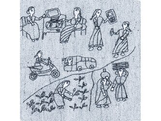 Archana Kumari 手刺繍クッションカバー(インドの女性の暮らし/白)の画像