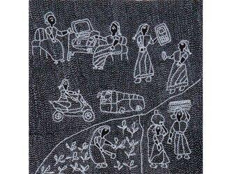 Archana Kumari 手刺繍クッションカバー(インドの女性の暮らし/黒)の画像
