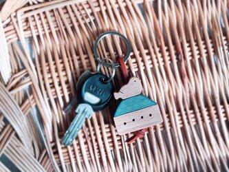小鳥とお家のキーリングの画像