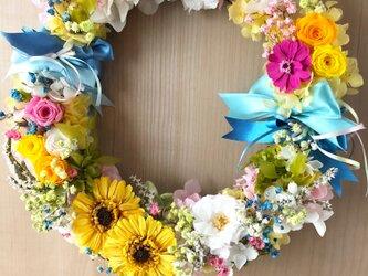 【プリザーブドフラワーリース/カラフルな明るい花たちの永遠の祝福】の画像