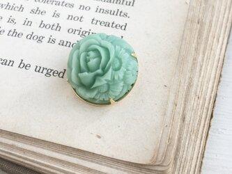 ちょこんと留まる*アンティークなお花のブローチⅡの画像