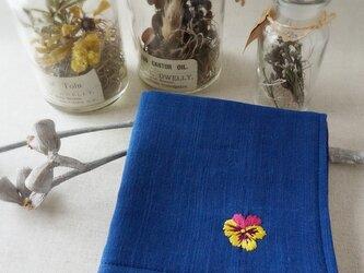 手刺繍入り4重ガーゼハンカチ「ビオライエロー」[受注制作]の画像