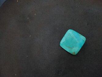 天然石のブローチ「ターコイズ」の画像