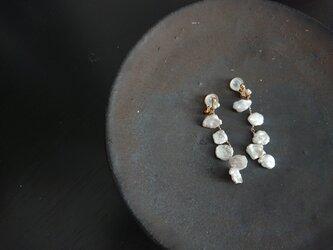 「petal ケシパール」ソフトタッチイヤリングの画像