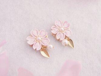 桜の願いイヤリング *つまみ細工*の画像
