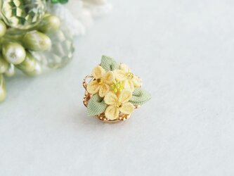 菜の花のタックピン *つまみ細工*の画像
