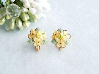 菜の花のイヤリング *つまみ細工*の画像