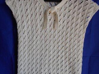 シルクの透かし編みフレンチスリーブの画像