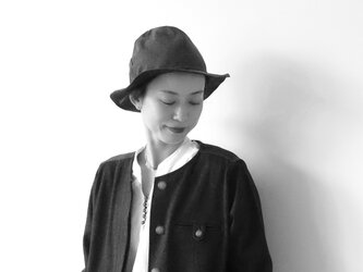 Mountain reversible hat / navy× brownの画像