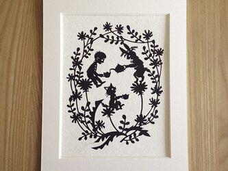ろくとくろの切り絵「春のお茶会」の画像