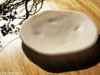 純白ガラスの器 -「 KAZEの肌 」● 21cm・絹目調の画像