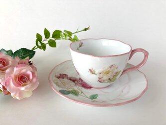 アンティーク風 ローズのカップ&ソーサー(ホワイト)の画像