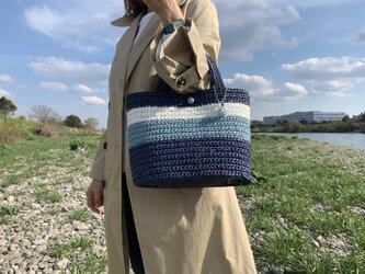 手編みのトートバッグの画像