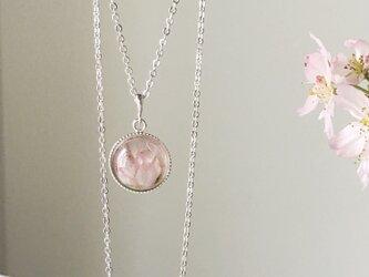本物の桜を閉じ込めたネックレス(横向きバージョン)の画像