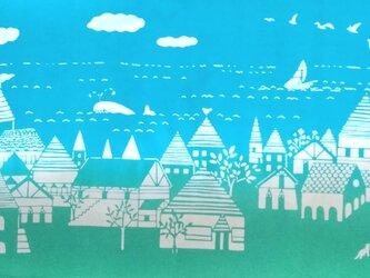 型染めてぬぐい「海の街」(昼)(綿100%・手染め抜染)の画像
