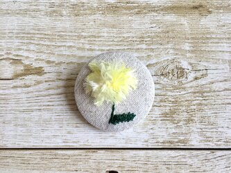 春の花たんぽぽブローチの画像