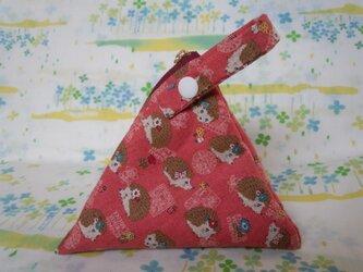 【手縫い】テトラ型ポーチ☆スナップ付☆はりねずみ柄☆濃桃色☆辺16㎝☆ファスナー14㎝の画像