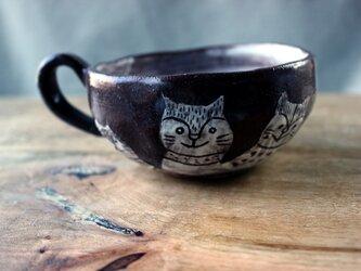 仲良し猫たちのカップの画像