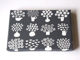 flower base (charcoal) ファブリックパネルの画像
