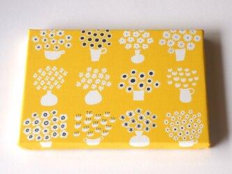 flower base (yellow) ファブリックパネルの画像