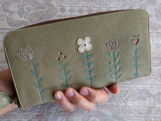刺繍革財布『LIFE』萌黄色(ヤギ革)ラウンドファスナー型の画像