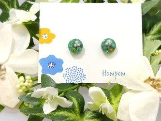 19p004・パールのお花の丸い1粒ピアス ホムポムの画像