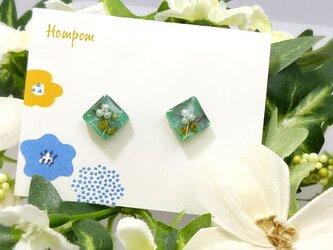 19p005・パールのお花の四角い1粒ピアス ホムポムの画像