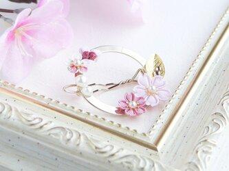 桜のフレームピン  *つまみ細工*の画像