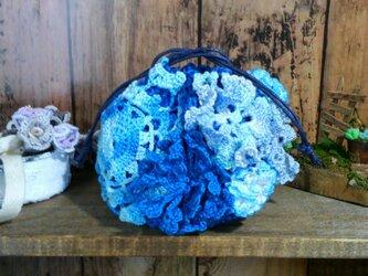 はなざかり巾着 05 青 再販 ~ 編み物 レース編み ポーチの画像