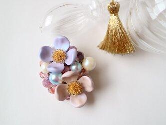 花水木のブローチ(パープルピンク)の画像
